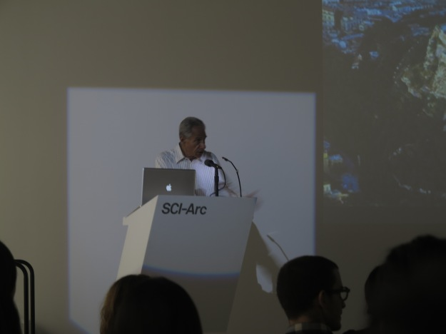 Mr. Eric Owen Moss, director of SCI-Arc, welcomes students at the Making + Meaning orientation.