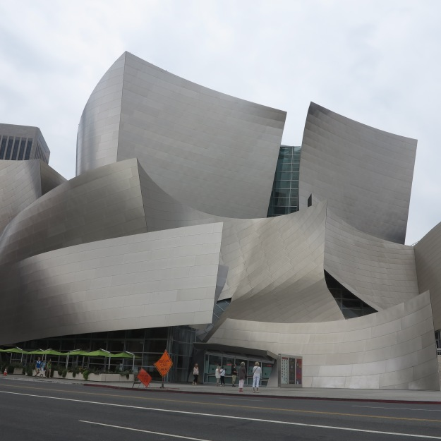 The Walt Disney Concert Hall by Frank O. Gehry, visited by Making + Meaning students during a field trip on Saturday.
